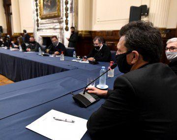 La polémica por las vacunas llega al Congreso: laboratorios rinden cuentas
