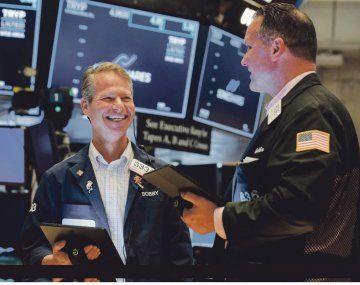 Wall Street: S&P 500 registró la mayor suba diaria desde marzo