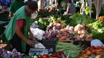 La diferencia de precios entre lo que pagó el consumidor y lo que recibió el productor en el campo por sus alimentos agropecuarios subió 8,7% en abril.