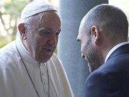 El Papa Francisco saludando al ministro de Economía, Martín Guzmán.