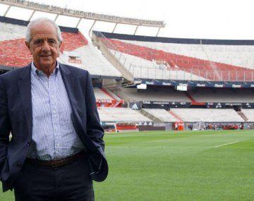 Rodolfo DOnofrio, presidente de River, piensa cambiar la localía para acortar gastos