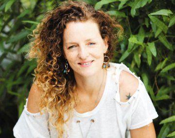 """Romanín. La autora de """"Como si pasara un tren"""" debuta en el infantil."""