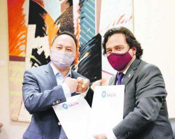Avance. El gobernador salteño Gustavo Sáenz y presidente de Ganfeng Lithium, Jason Luo, anunciaron que el proyecto en la provincia comenzará este año y que implicará un desembolso de u$s600 millones.