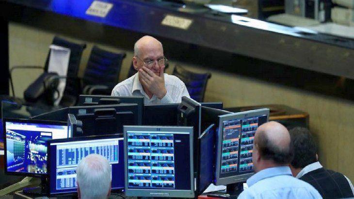 El S&P Merval sufrió su peor caída en un mes; ADRs perdieron hasta 4,7% en Wall Street
