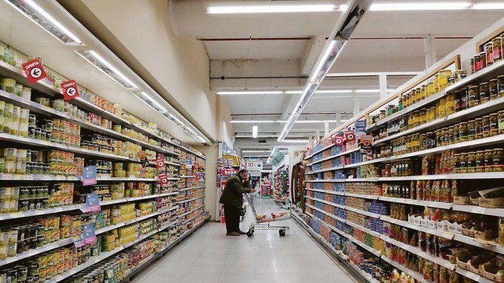 Las expectativas de inflación treparon desde el 40% hasta el 45% según una encuesta de la Universidad Di Tella.