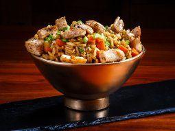 wok de vegetales, arroz y pollo