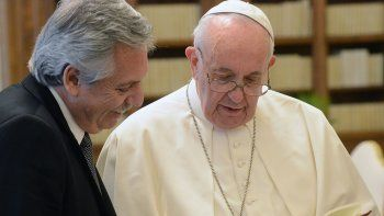 El presidente Alberto Fernández junto al Papa Francisco.