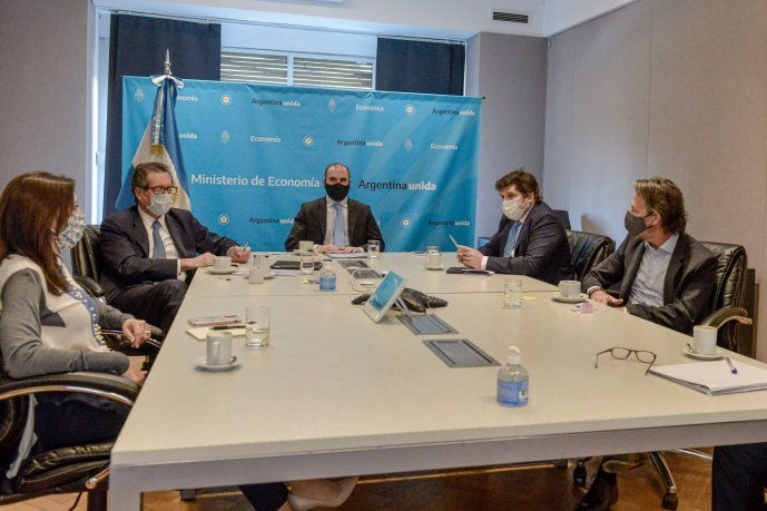 El FMI dijo que continuará el diálogo con Argentina para alcanzar un programa de facilidades extendidas
