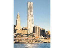 El imponente edificio de departamentos conocido como Torre Beekman cambió sustancialmente tras la intervención del célebre arquitecto Frank Gehry, que a los 82 años realizó su primera obra de envergadura en Nueva York.