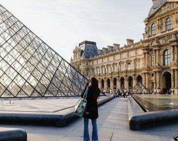 Museo del Louvre, un clásico parisino, reabrirá el 6 de julio.