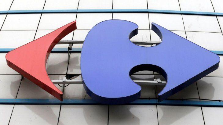 La canadiense Couche-Tard negocia la compra de Carrefour