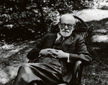 Sigmund Freud. Su teoría de la histeria, puesta en tela de juicio.