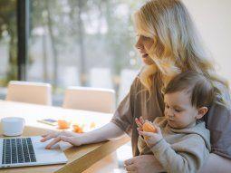 Según una encuesta de Grow la distribución de las actividades diarias en los hogares tiene un sesgo degénero.