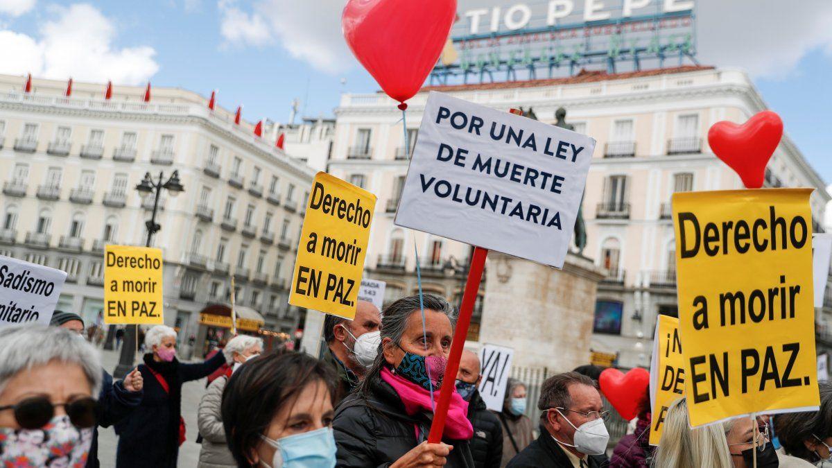 España se convierte en el quinto país del mundo en legalizar la eutanasia y el suicidio asistido