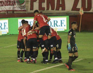Independiente le ganó a Huracán y se clasificó a los cuartos de final en la Copa de la Liga.