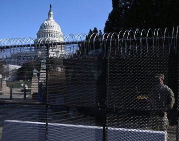 Washington instaló vallado por temor a protestas candentes