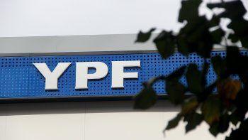Días atrás la calificadora de riesgo Moodys Local ya había elevado la nota de YPF como emisor de largo plazo en moneda local de A+ a AA-