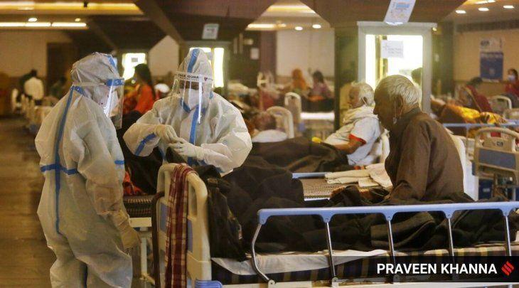 Médicos de India alertaron sobre el aumento de casos de hongo negro entre los pacientes con Covid-19.