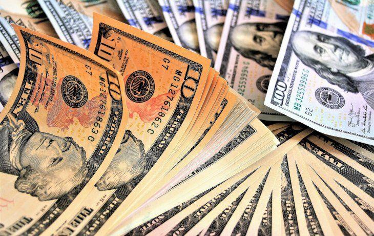 Dólar MEP y CCL bajaron hasta $4 en la semana, la caída más importante desde fines de octubre