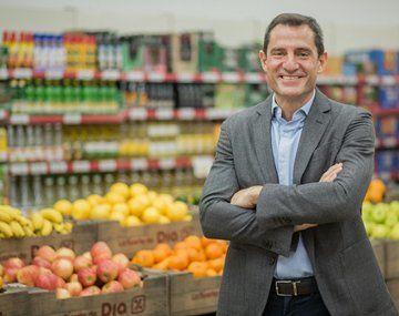 Martín Tolcachir es licenciado en Administración y Gestión de Empresas por la Universidad de Buenos Aires y MBA por la IMD Business School.