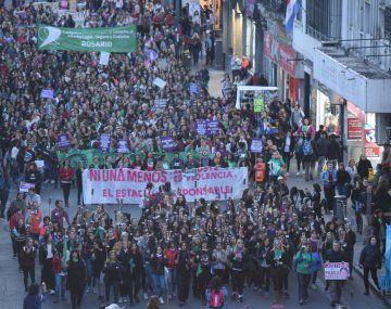 Las mujeres rosarinas también se movilizaron en la quinta marcha bajo la consigna Ni Una Menos.