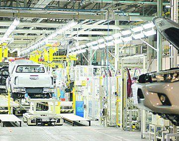 La industria automotriz funcionó al 54,8% respecto de su potencial máximo.