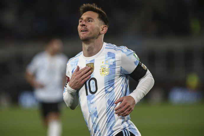 Capitán a bordo: otra noche mágica de Messi ante su gente