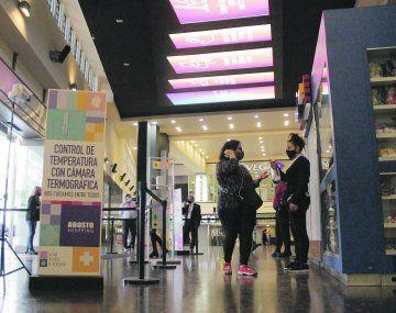 Pandemia. Los shopping centers se ajustaron a los protocolos.