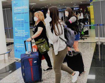 Segunda ola: cuáles son las restricciones para viajar al exterior