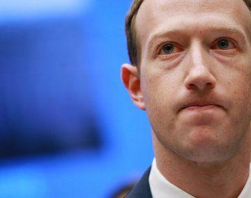 PROTAGONISTA. Mark Zuckerberg, cara visible de Facebook, se ha declarado dispuesto a entrevistarse con los promotores de la campaña contra el odio en las redes sociales.