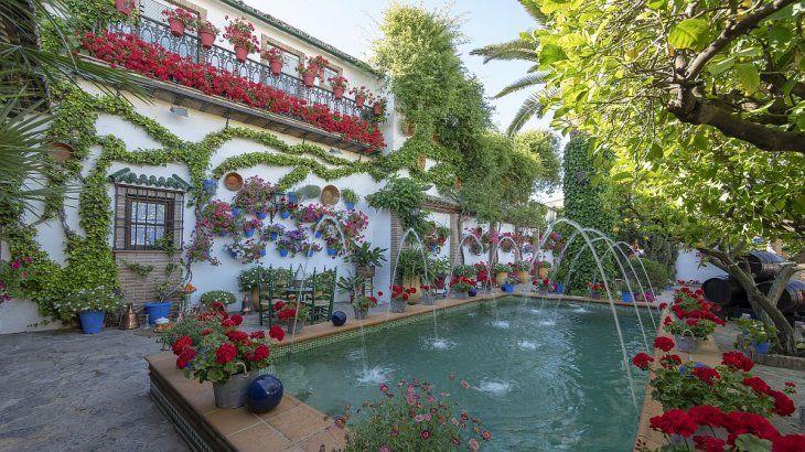 Tiene un patrimonio magnífico de murallas, conventos y casas señoriales.
