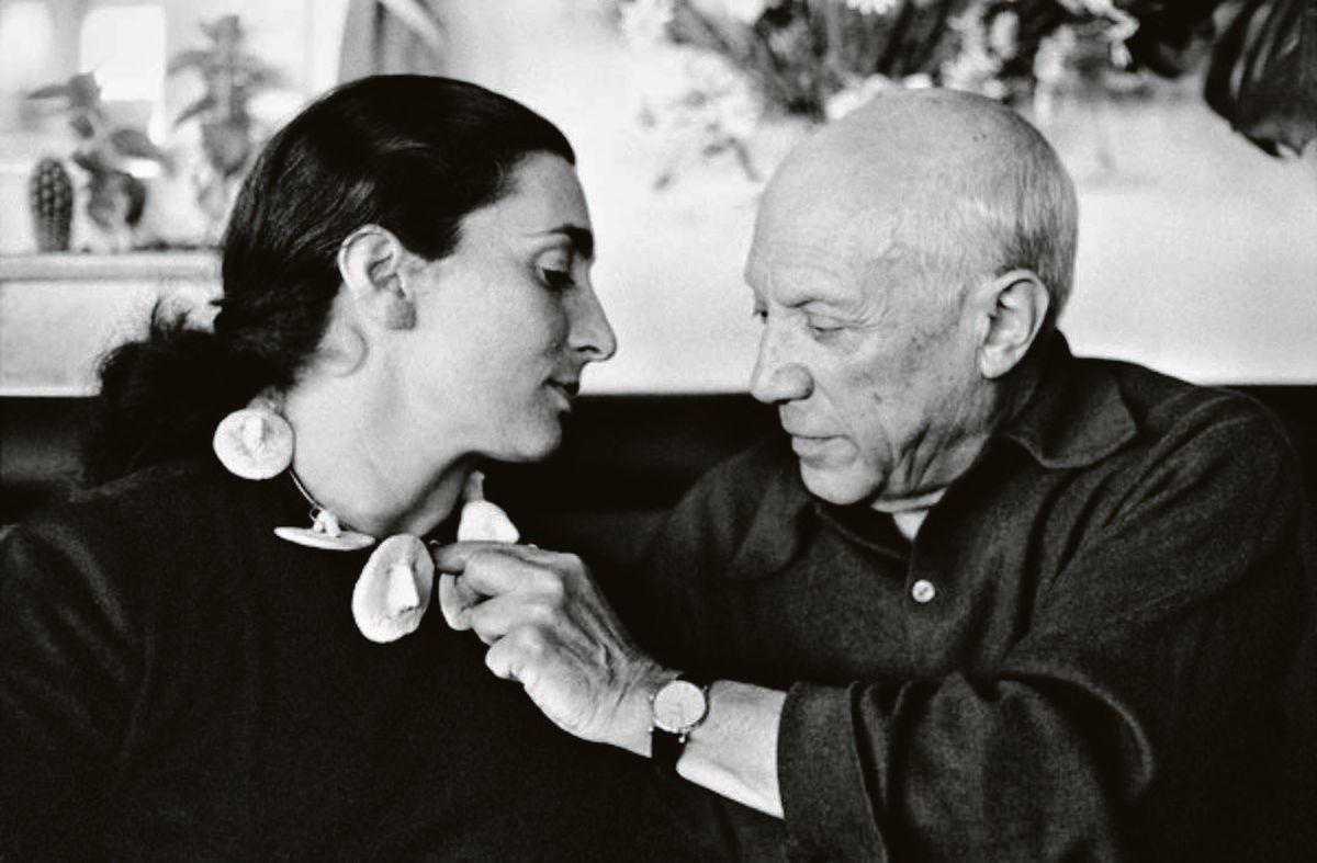 Picasso. El artista con Jacqueline Roque, a quien le dedicó varias obras.