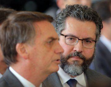 El canciller de Brasil, Ernesto Araújo, defiende una diplomacia pro Estados Unidos e Israel.
