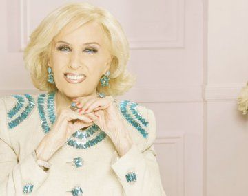 Reclamo sindical frente a la casa de Mirtha Legrand por su chofer.