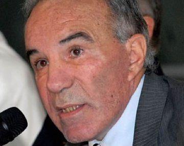 Alfredo Cahe declaró ante el fiscal de la causa Maradona y apuntó contra Luque y Cosachov.