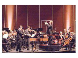 Pablo Saraví y Hernán Briático brillaron como solistas en conciertos de Vivaldi y de Malcolm Arnold bien acompañados por sus compañeros de la Filarmónica y bajo la segura batuta del danés Van de Velde.