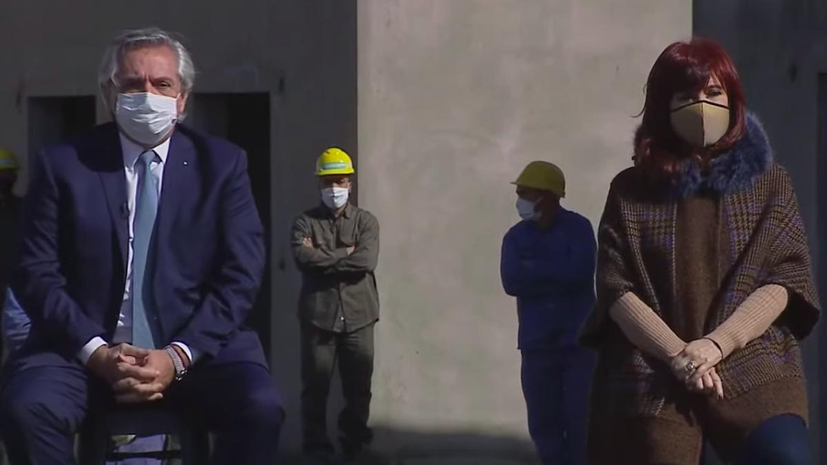 Alberto Fernández encabeza entrega de viviendas junto a Cristina Kirchner