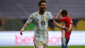 Lionel Messi se convirtió en el futbolista con más presencias en la selección argentina.