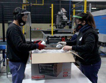 La industria ya produce casi 5% más que en la prepandemia.