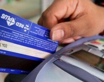 El uso de tarjetas de débito creció durante 2020 un 14,3%, mientras que la utilización de las tarjetas de crédito sufrió una caída de 11,5%.