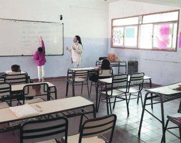 El aula es un derecho. Su función es irremplazable en el proceso pedagógico.
