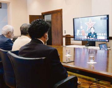 Virtual. Jorge Taiana, el general Martín Paleo, jefe del Estado Mayor Conjunto; Francisco Cafiero, secretario de Asuntos Internacionales y los subsecretarios Roberto De Luise y Lucía Kersul, ayer en videoconferencia con el ministro de Defensa Wei Fenghe.