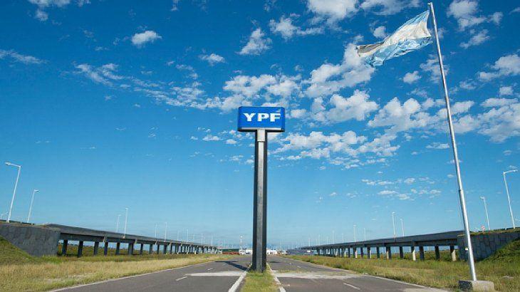 La petrolera YPF fijó el 12 de febrero como fecha máxima para la liquidación del canje y emisión de los nuevos títulos.
