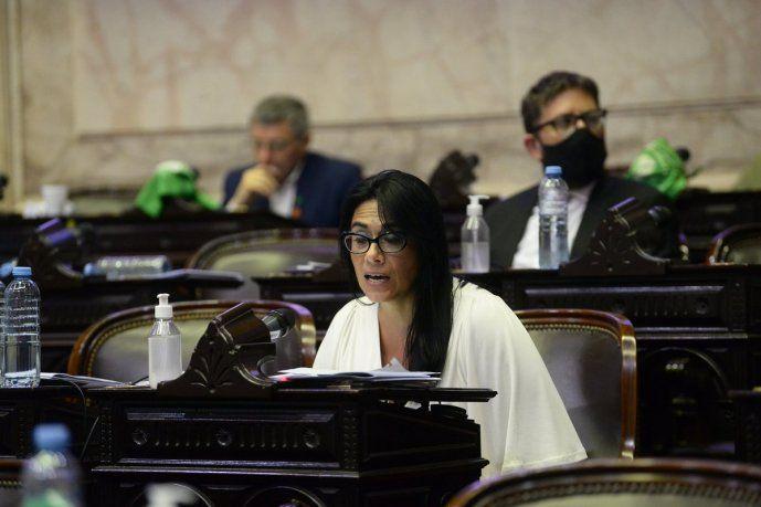 Flavia Morales.