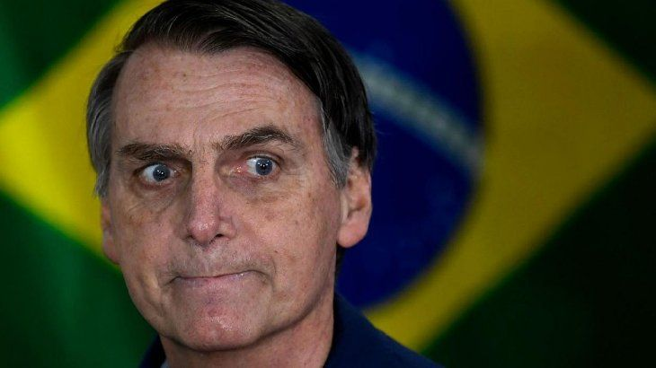 Bolsonaro apuntó contra Facebook y la circulación de varios diarios.