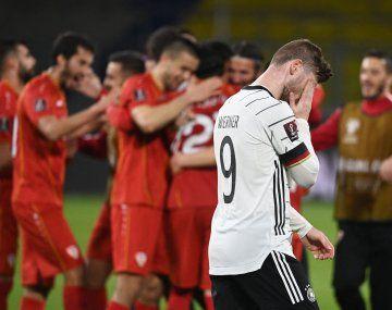Macedonia festeja la histórica victoria sobre Alemania mientras sufre Timo Werner.