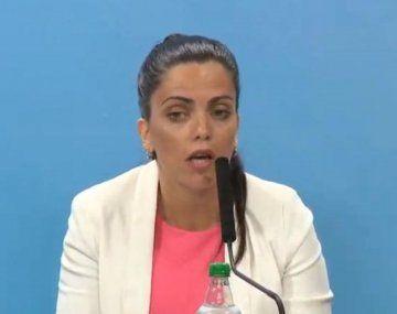 La titular del PAMI, Luana Volnovich, cruzó a Fernán Quirós por el operativo de vacunación.