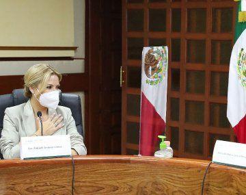 La Primera Dama Fabiola Yañez fue recibida por María del Rocío García Pérez, directora del Sistema Nacional para el Desarrollo Integral de la Familia (DIF) de México.
