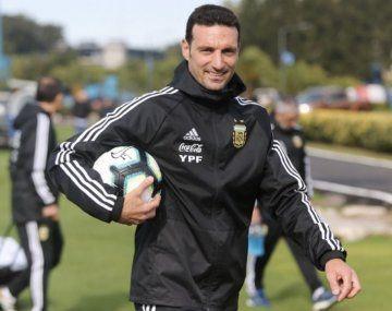 Scaloni ya pienso en el equipo de la Selección para Eliminatorias y la Copa América.