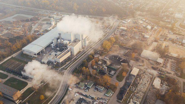 La contaminación atmosférica provoca enfermedades cardíacas y pulmonares.